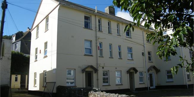 £130,000, 3 Bedroom Flat For Sale in Mevagissey, PL26