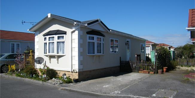 Asking Price £78,000, 2 Bedroom Detached For Sale in Bugle, PL26