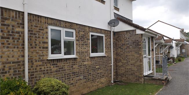 Asking Price £105,000, 2 Bedroom Flat For Sale in St. Austell, PL25