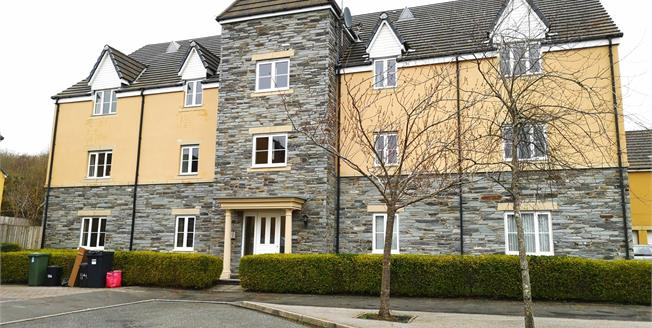 £134,950, 2 Bedroom Flat For Sale in St. Austell, PL25