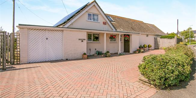 Asking Price £360,000, 4 Bedroom Detached Bungalow For Sale in Fowey, PL23