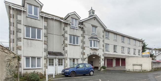 Offers in excess of £110,000, 2 Bedroom Flat For Sale in Truro, TR1