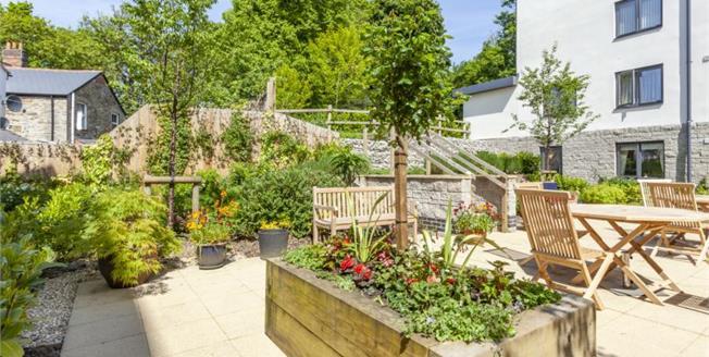£244,950, 1 Bedroom Flat For Sale in Truro, TR1