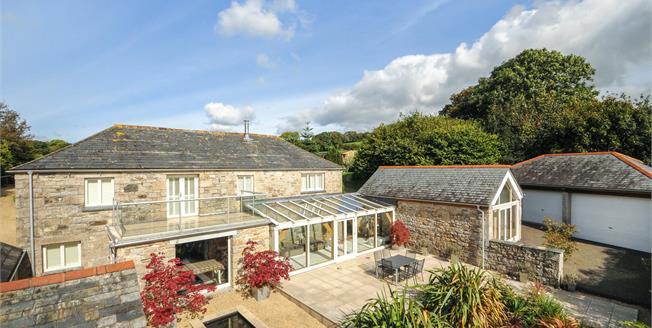 Guide Price £895,000, 4 Bedroom Detached House For Sale in Tresarrett, PL30