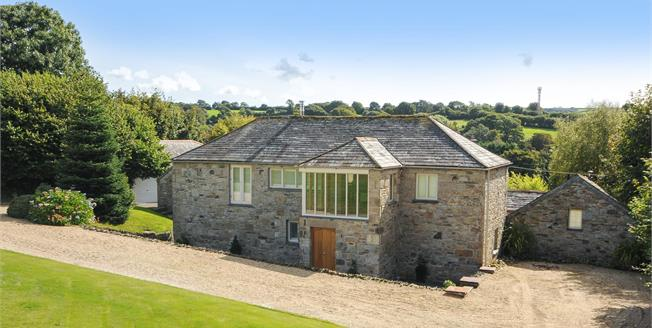 Guide Price £945,000, 4 Bedroom Detached House For Sale in Tresarrett, PL30