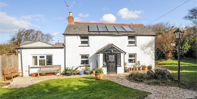 Guide Price £500,000, 4 Bedroom House For Sale in Goonhavern, TR4