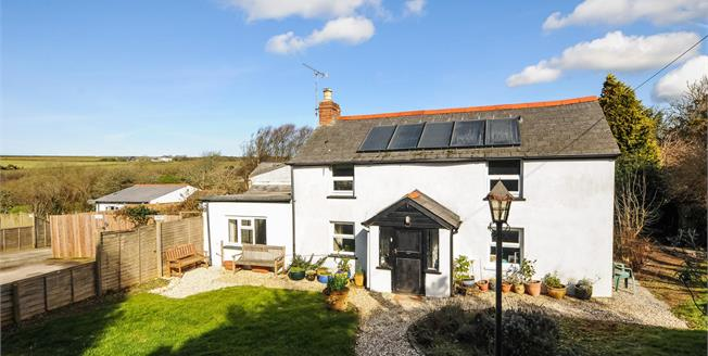 Guide Price £550,000, 4 Bedroom House For Sale in Goonhavern, TR4