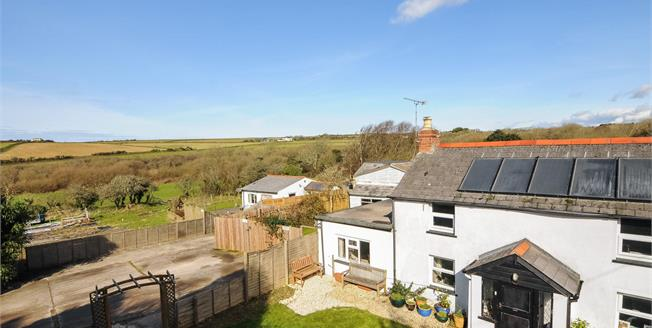 Guide Price £525,000, 4 Bedroom House For Sale in Goonhavern, TR4