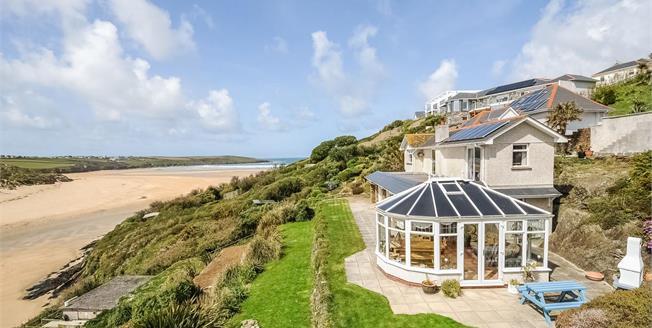 Guide Price £1,650,000, 5 Bedroom Detached House For Sale in Newquay, TR7