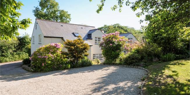 Guide Price £650,000, 5 Bedroom Detached House For Sale in Lower Sticker, PL26
