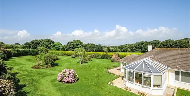 £625,000, 4 Bedroom Detached Bungalow For Sale in Goldsithney, TR20