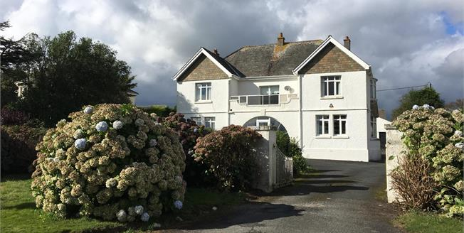 Guide Price £860,000, 4 Bedroom Detached House For Sale in Carlyon Bay, PL25