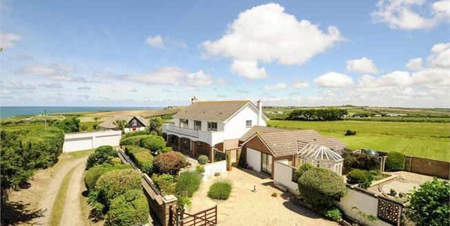 Guide Price £1,150,000, 3 Bedroom Detached House For Sale in Harlyn Bay, PL28