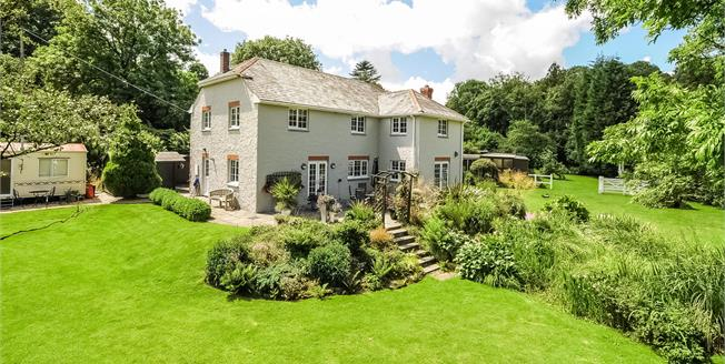 Guide Price £925,000, 4 Bedroom Detached House For Sale in St. Breock, PL27