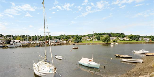 Guide Price £700,000, 3 Bedroom Detached House For Sale in Mylor Bridge, TR11