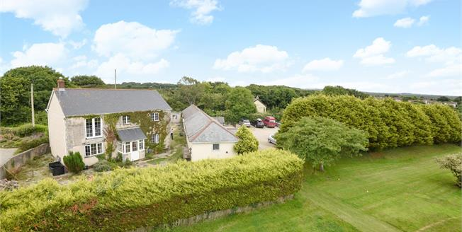 £680,000, 3 Bedroom Detached House For Sale in Hayle, TR27
