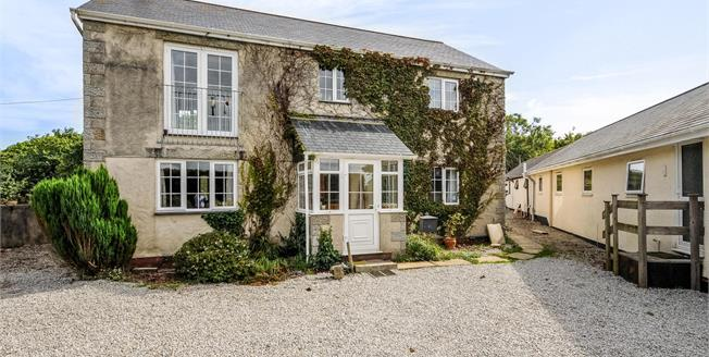 Guide Price £680,000, 3 Bedroom Detached House For Sale in Hayle, TR27