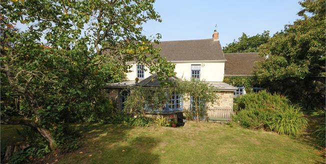 Asking Price £475,000, 4 Bedroom Detached House For Sale in Relubbus, TR20