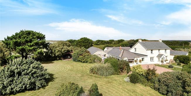 Guide Price £950,000, 11 Bedroom Detached House For Sale in Higher Trevellas, TR5