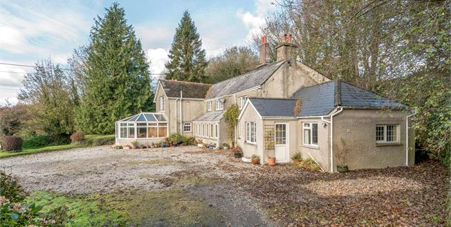 Guide Price £650,000, 5 Bedroom Detached House For Sale in Tavistock, PL19