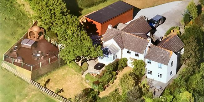 Guide Price £700,000, 4 Bedroom Detached House For Sale in Talland Bay, PL13