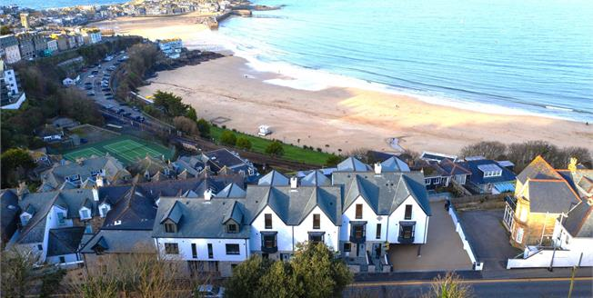 £760,000, 3 Bedroom Town House For Sale in St Ives, TR26