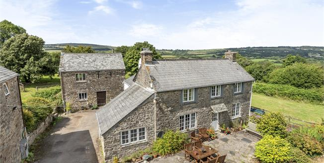 Guide Price £650,000, 4 Bedroom Detached House For Sale in Callington, PL17