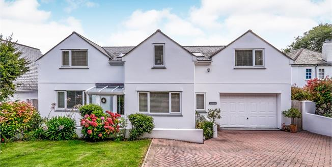 £875,000, 4 Bedroom Detached House For Sale in St. Ives, TR26