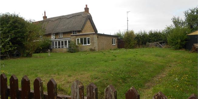 Guide Price £300,000, 3 Bedroom Semi Detached Cottage For Sale in Radwell, MK43