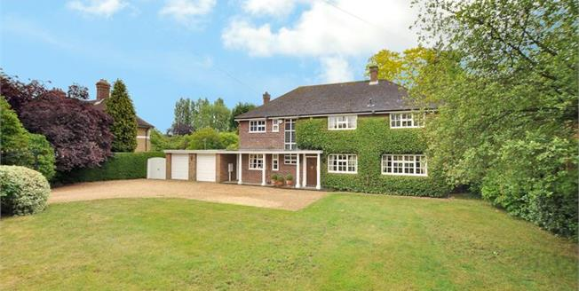 Asking Price £1,100,000, 5 Bedroom Detached House For Sale in Biddenham, MK40