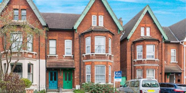 Guide Price £475,000, 7 Bedroom Semi Detached House For Sale in Bedford, MK40