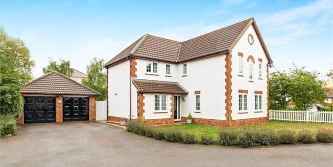 £499,995, 4 Bedroom Detached House For Sale in Great Denham, MK40