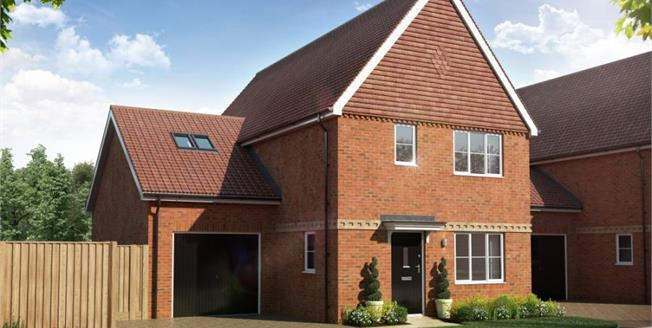 £479,950, 4 Bedroom Detached House For Sale in The Ridings, SG18