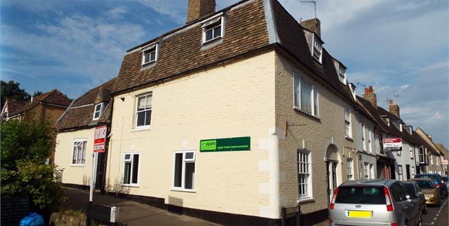 Guide Price £115,000, 1 Bedroom Flat For Sale in Huntingdon, PE29