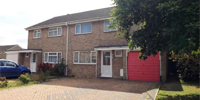 £265,000, 3 Bedroom Semi Detached House For Sale in St. Ives, PE27