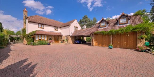 Asking Price £900,000, For Sale in Hemingford Grey, PE28