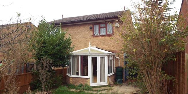Asking Price £150,000, 2 Bedroom Semi Detached House For Sale in Houghton Regis, LU5