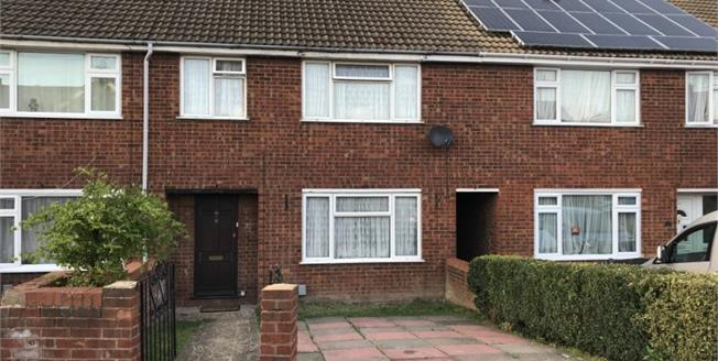 Asking Price £225,000, 3 Bedroom Terraced House For Sale in Luton, LU4