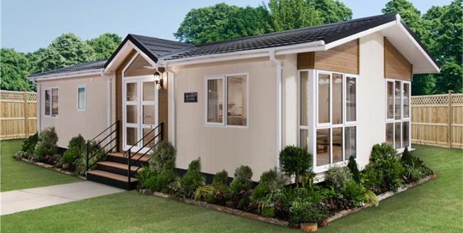 Asking Price £224,950, Mobile Home For Sale in The Grove, LU1