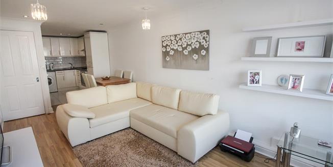 Offers in excess of £135,000, 1 Bedroom Upper Floor Flat For Sale in Luton, LU1