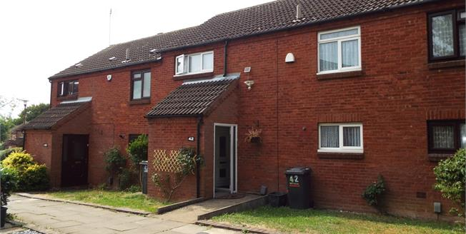 Asking Price £260,000, 3 Bedroom Terraced House For Sale in Luton, LU2