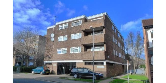 Guide Price £150,000, 2 Bedroom Flat For Sale in Luton, LU1