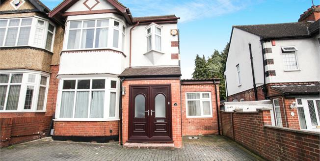 Offers Over £375,000, 5 Bedroom Semi Detached House For Sale in Luton, LU3