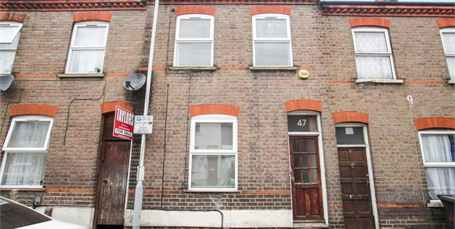 Offers Over £220,000, 3 Bedroom Terraced House For Sale in Luton, LU1