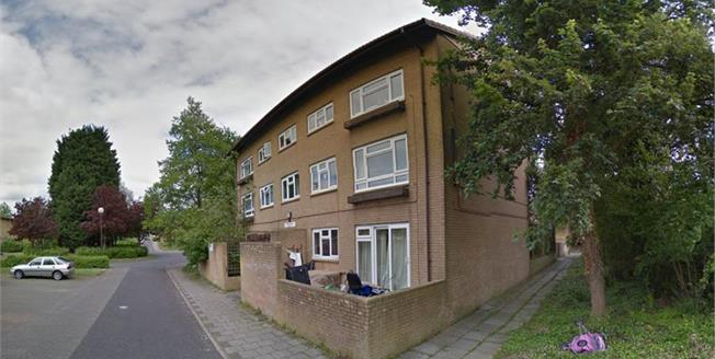 Asking Price £110,000, 1 Bedroom Upper Floor Flat For Sale in Fishermead, MK6