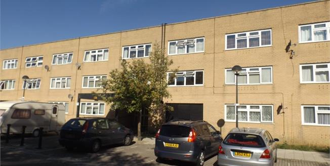 Asking Price £95,000, Upper Floor Flat For Sale in Milton Keynes, MK9
