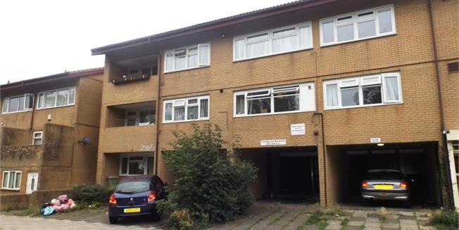 Offers in excess of £100,000, 1 Bedroom Upper Floor Flat For Sale in Conniburrow, MK14