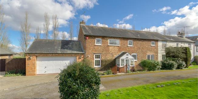 Guide Price £675,000, 4 Bedroom House For Sale in Tinkers Bridge, MK6