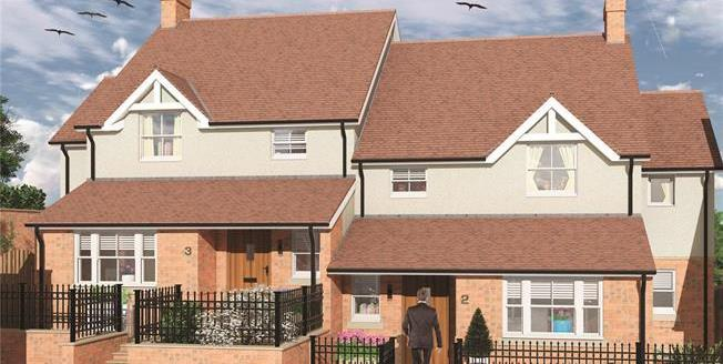 Guide Price £565,000, 4 Bedroom Semi Detached House For Sale in Buckingham, MK18