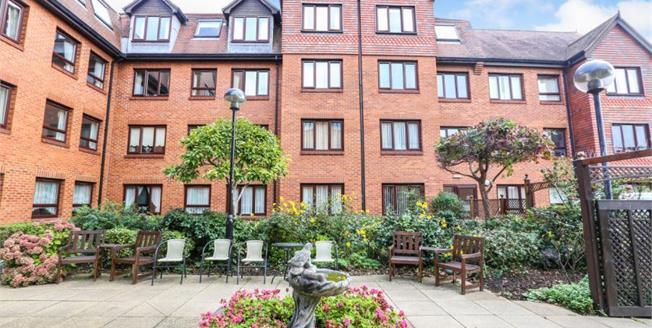 Offers Over £140,000, 1 Bedroom Upper Floor Flat For Sale in Leighton Buzzard, LU7